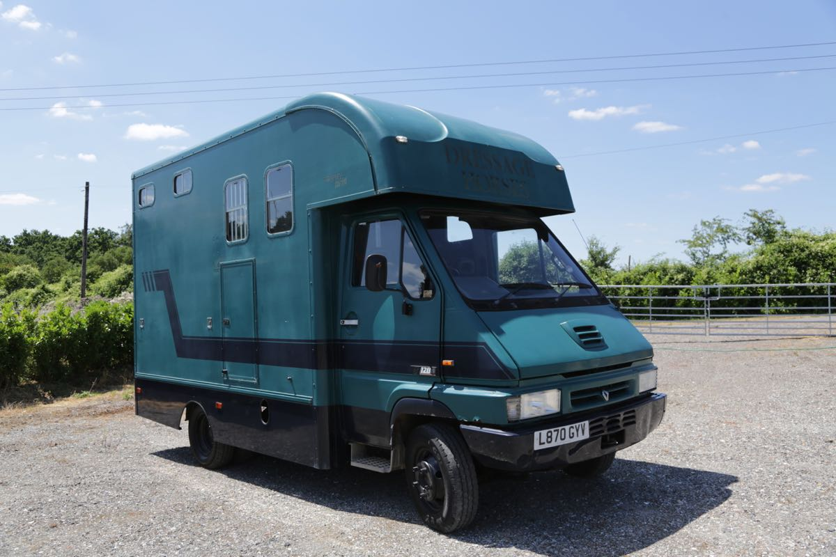 6.5 TONNE TROPHY TWIN BUILT BY PEPER HAROW HORSE BOXES