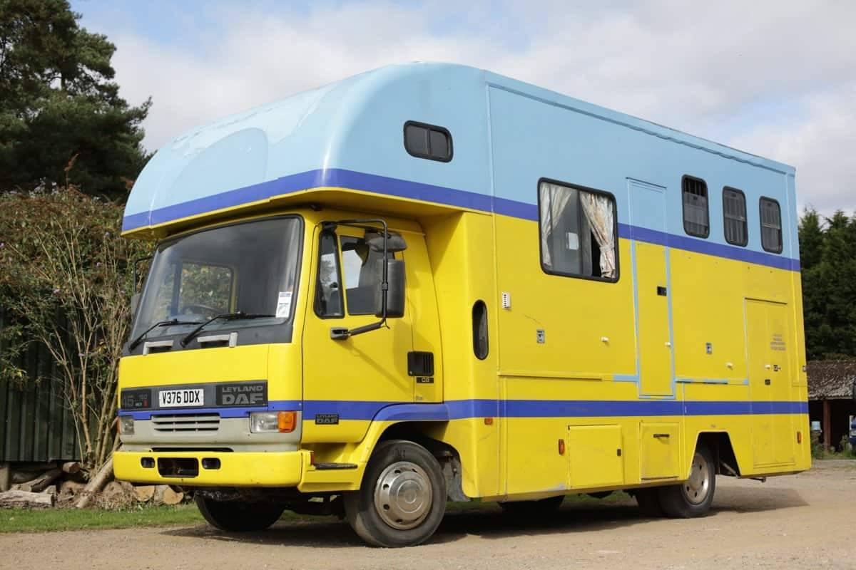7.5 Tonne Horse Box with Living