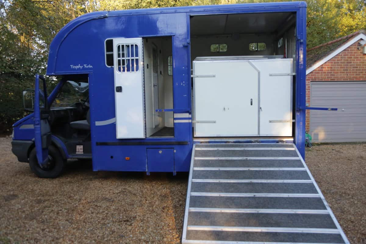 SMART 6.5 TONNE SHORT WHEEL BASE TROPHY TWIN WITH ONLY 1 OWNER