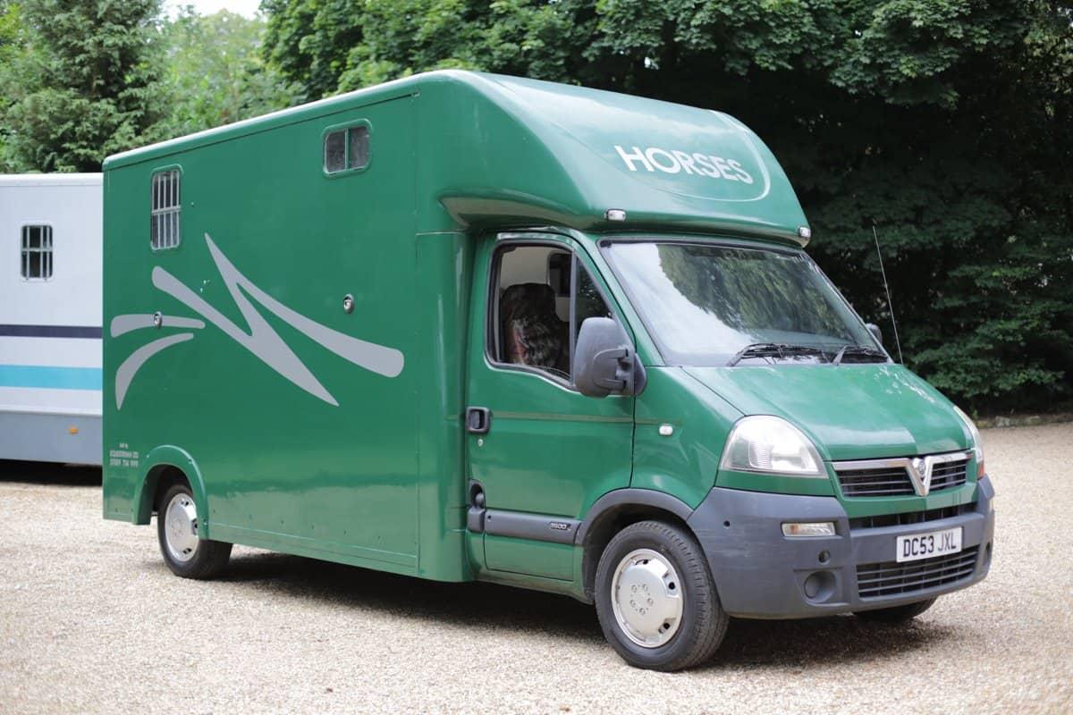 2004 VAUXHALL MOVANO 3.5 TONNE HORSE BOX